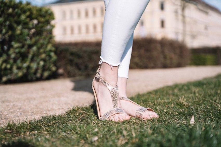 elegante-Barfuss-Sandalen